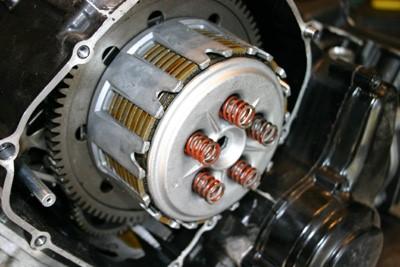 kit-embrayage-moto
